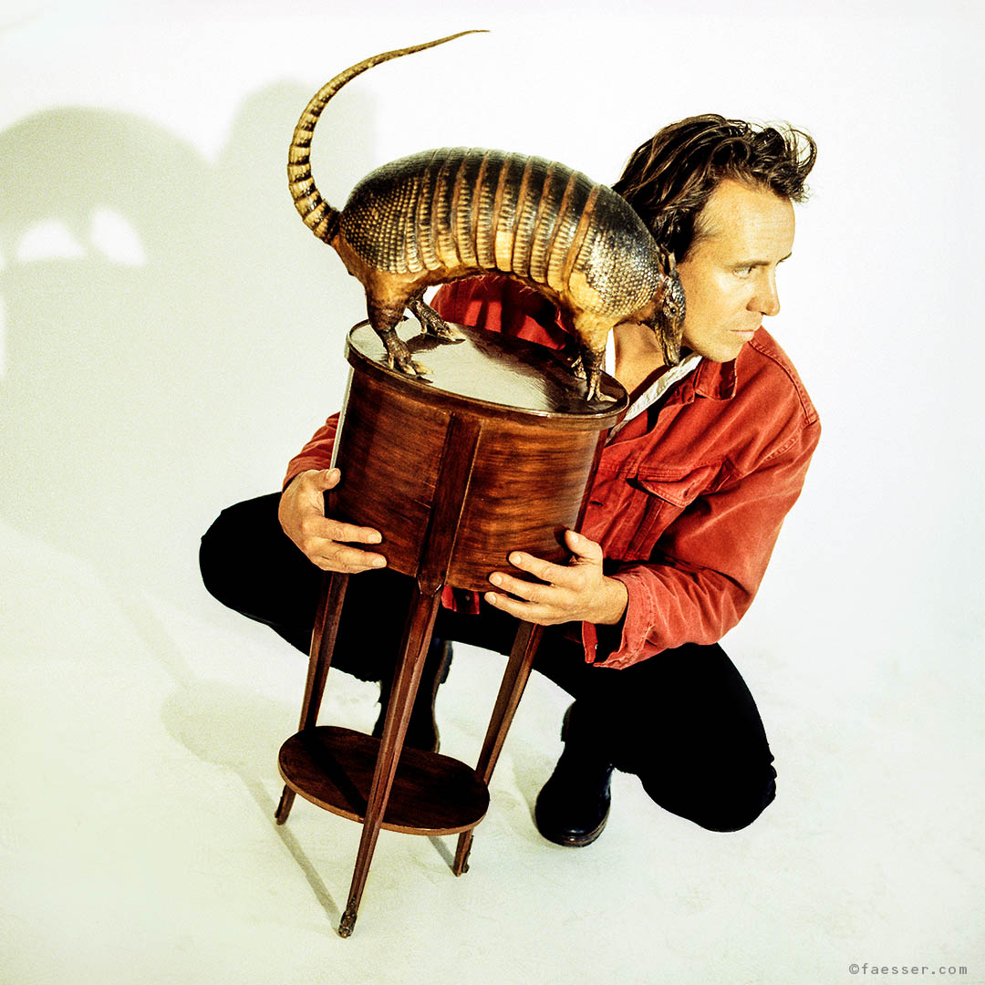 Islander and myself: armadillo meets Roland Faesser; work of art; artist Roland Faesser, sculptor and painter 1997